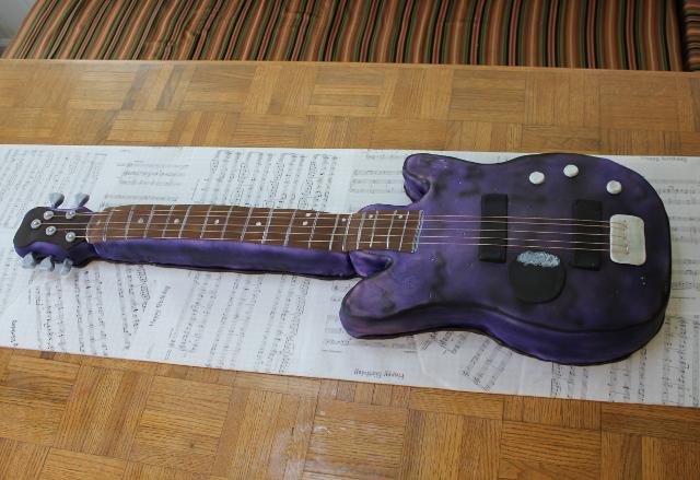 PurpleGuitarCake